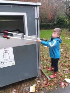Six-year-old recycling hero Ronnie cleans up